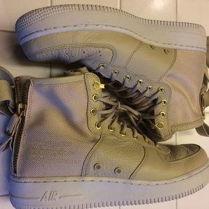 Nike Air UrbanWear Chuckas